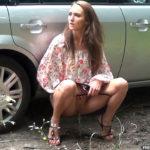 Got2pee.com – Farrah Parks  2014 Squatting